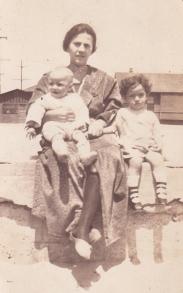 Grandma,Mom, Oliver